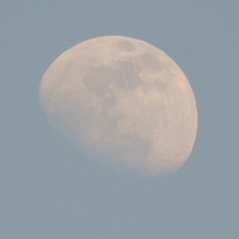 Moon_d300